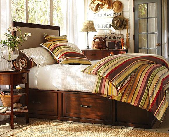 Пять ящиков под кроватью