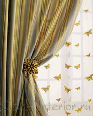 Золотистые бабочки на тюле