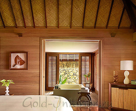 Бамбуковые обои на потолке в спальне
