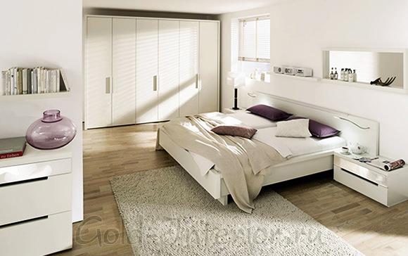 Белая мебель в белой спальне