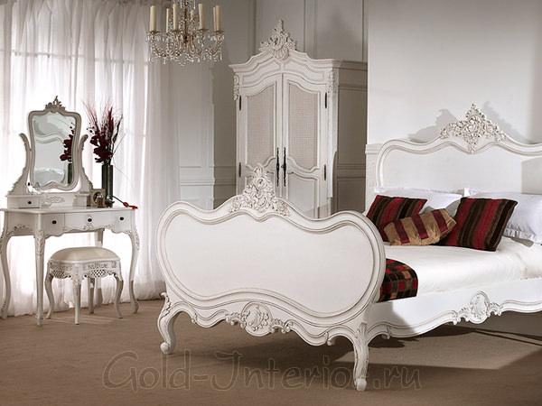 Белая мебель в спальне - классический стиль