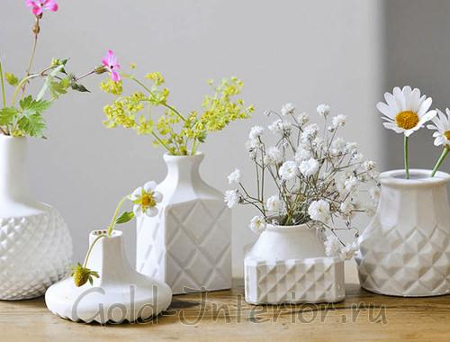 Белоснежные вазы - аксессуары для интерьера