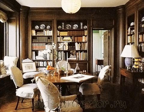 Библиотека в викторианском дизайне дома