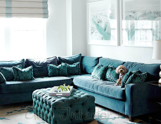 Бирюзовый угловой диван, пуфик и подушки