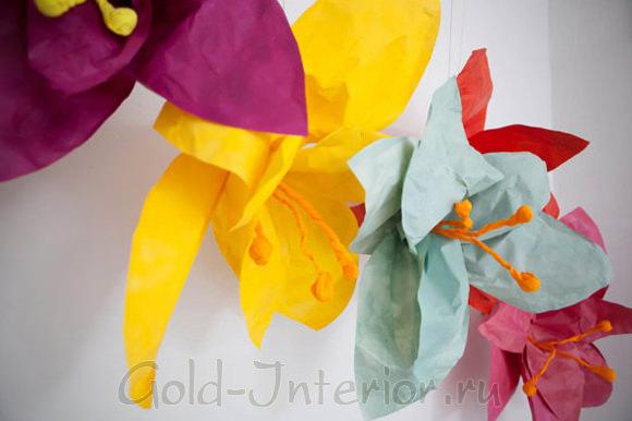Бумажная цветочная гирлянда
