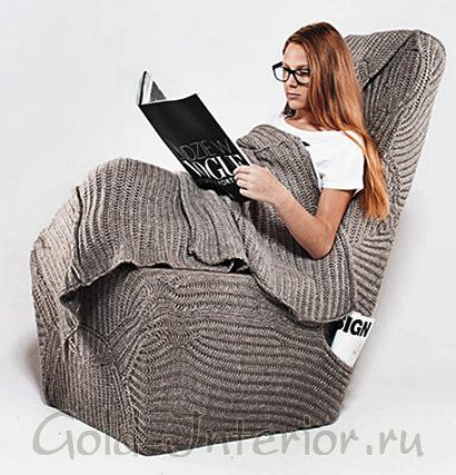 Чехол в форме большого свитера для стула