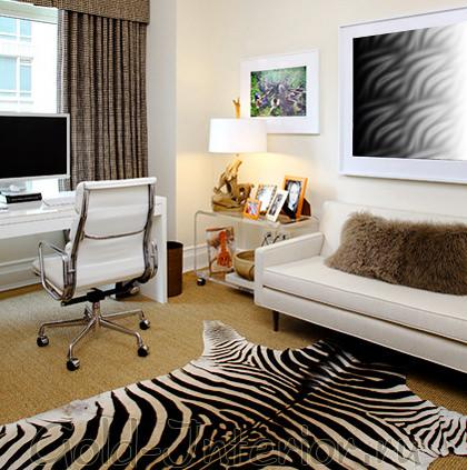 Чёрно-белый ковёр с принтом окраса зебры