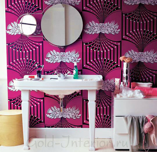 Цвет фуксии в оформлении ванной