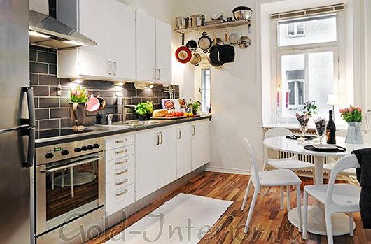 Демократичный минимализм в интерьере маленькой кухни