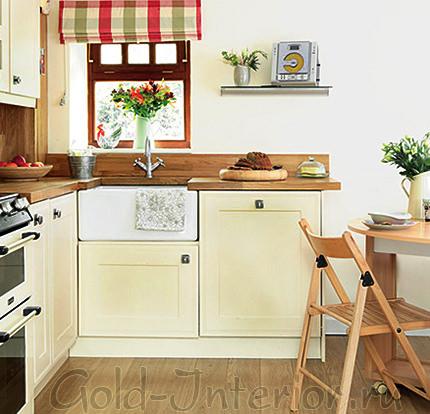 Деревенский стиль на маленькой кухне