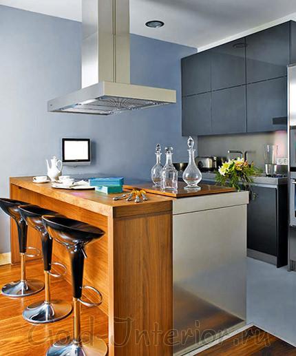 Деревянная барная стойка в интерьере кухни-гостиной
