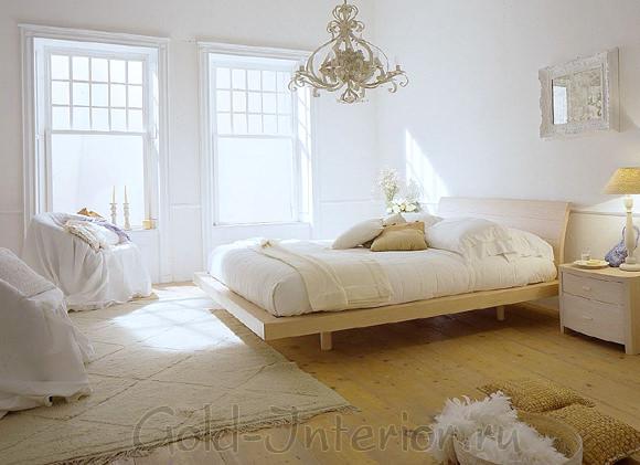 Деревянные доски из светлого дерева в винтажной спальне