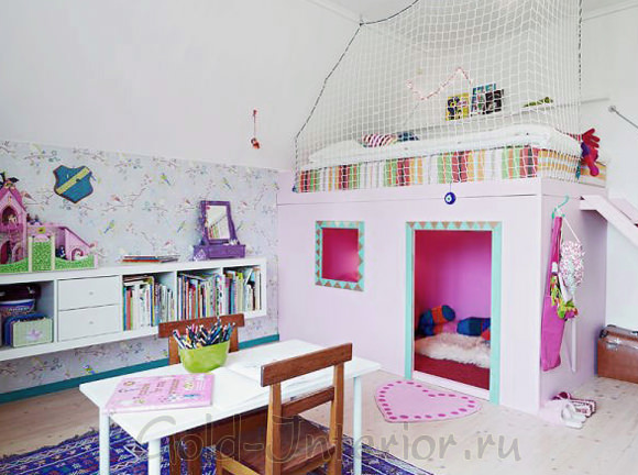 Детская в виде домика в 1-комнатной квартире