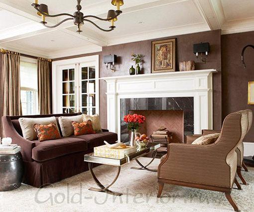 Диван цвета венге + коричневые оттенки интерьера