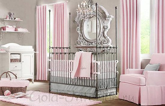 Дизайн комнаты для девочки 1-2 года в светлой розово-серой гамме