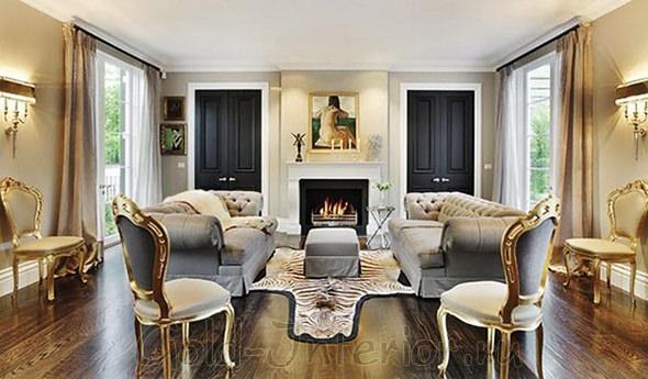 Двери чёрного цвета в классическом интерьере