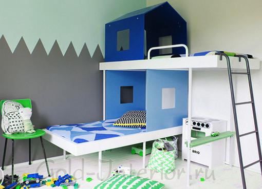Двухъярусная кровать в виде домика