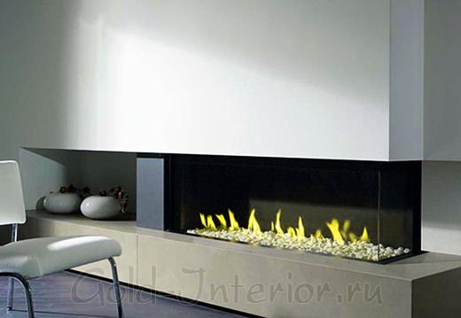 Двусторонний камин на газу со стеклянными перегородками