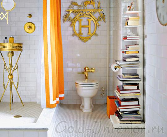 Эклектика в интерьере ванной - оранжевый, белый и золотой цвета