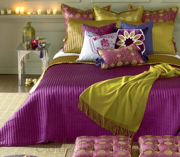 Фуксия и цвет свежей зелени в спальне