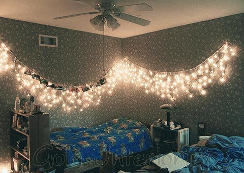 Гирлянда бахрома в интерьере спальни