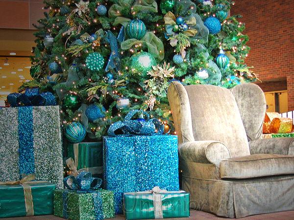 Голубые и зелёные новогодние ёлки