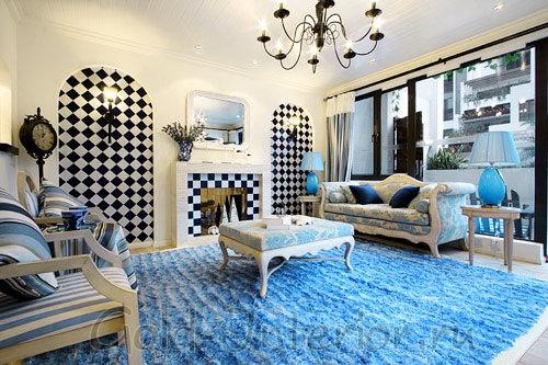 Голубой ковёр, имитирующий движение волн