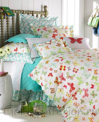 Голубой, белый, красный и жёлтый принт из бабочек на постельном белье