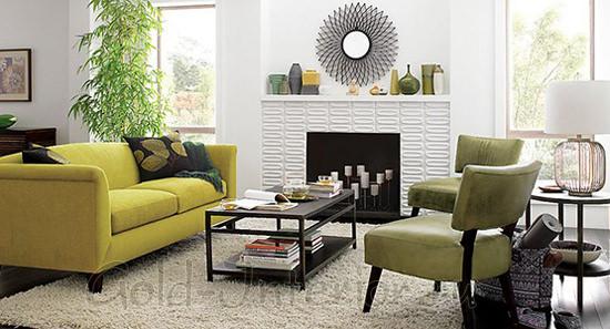 Горчичный диван + предметы интерьера чёрного цвета