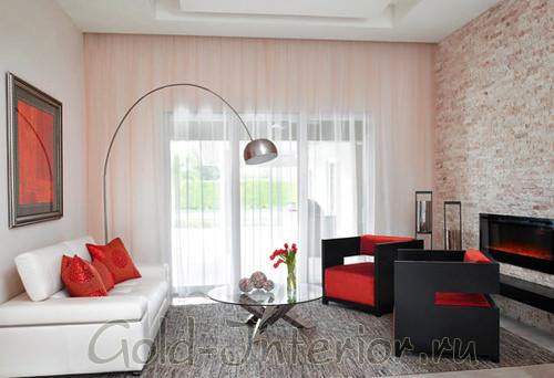 Горизонтальная картина в маленькой гостиной