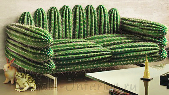 """Интерьер гостиной с зелёным диваном """"кактус"""""""