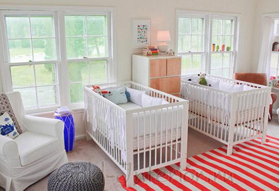 Интерьер комнаты для двух новорождённых малышей