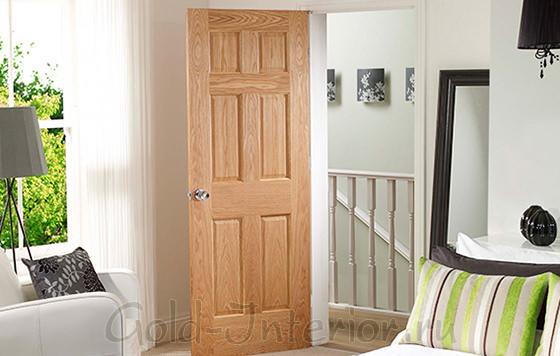 Интерьер со светлыми дверями