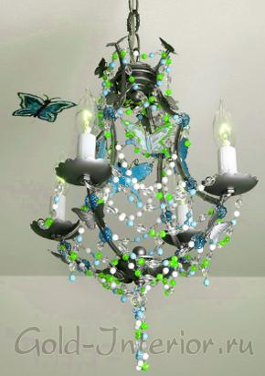 Изумительная люстра с бабочками, бусинами и плафонами в виде свечей