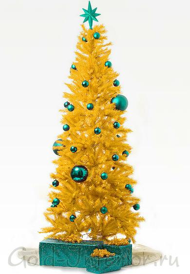 Жёлтая новогодняя ёлка с бирюзовыми игрушками