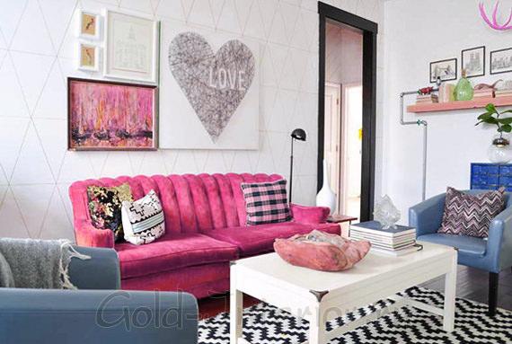 К розовому дивану - синие и серые оттенки