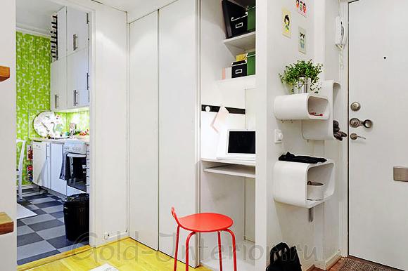 Кабинет между комнатой и коридором