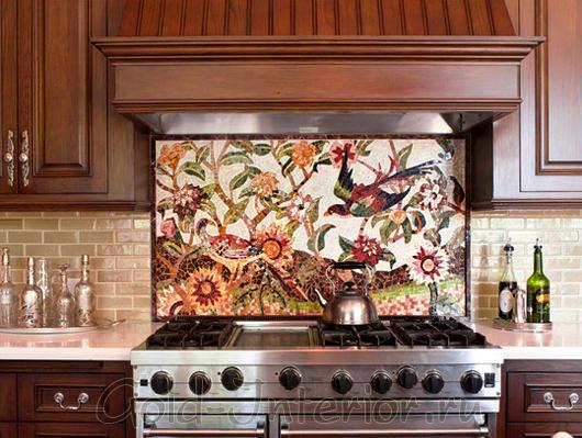Картина из мозаики над кухонной плитой