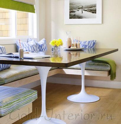 Красивый эркерный диван в дизайне столовой