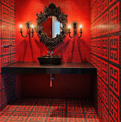 Красная мозаика в интерьере