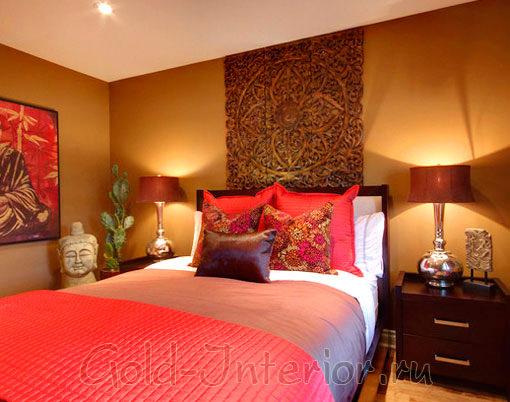 Красные оттенки в спальне японского стиля