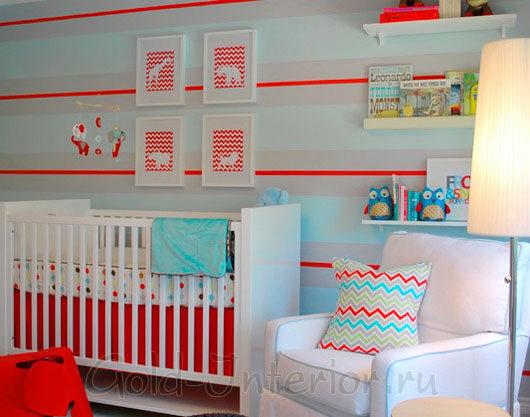 Красный цавет в интерьере комнаты для младенца