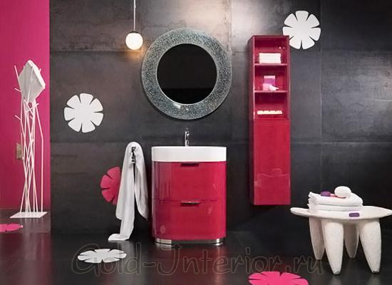 Красно-розовый и чёрный в ванной