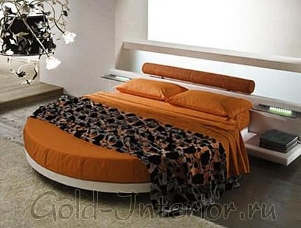 Кровать круглая рыжего цвета