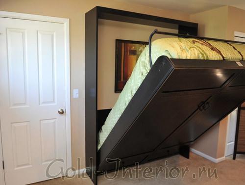 Кровать на подъёмном механизме