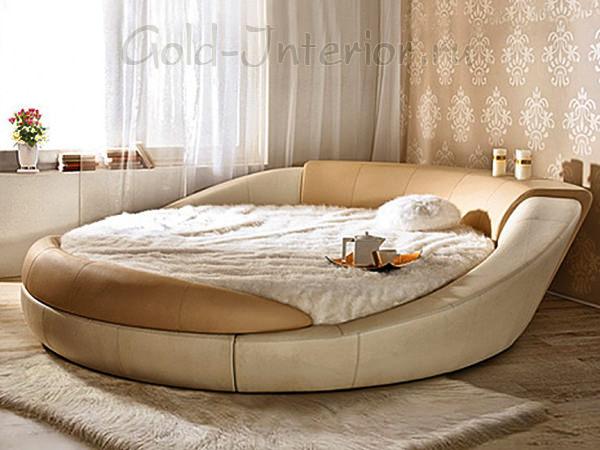 Круглая кровать в маленькой комнате