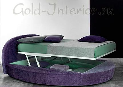 Круглый подиум и подъёмное спальное место