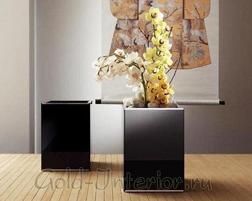 Большие квадратные напольные вазы