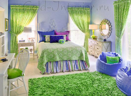 Квадратный зелёный ковёр, похожий на поляну с травой