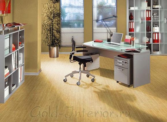 Ламинат цвета бамбука в интерьере кабинета